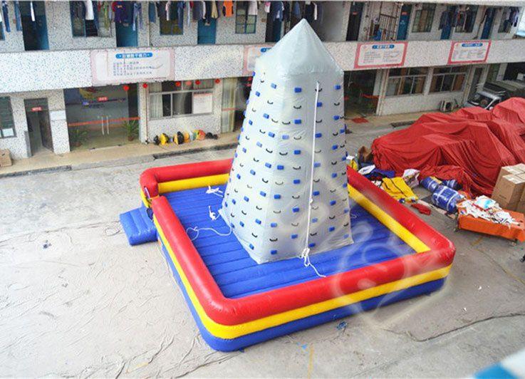 montagne escalade gonflable géante